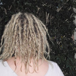 Looks pretty wyld after untwisting the dreads, I like :)