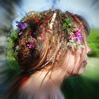 My girls decorated my hair for midsummer celebration. My husband said I looked like a hippie, but I don't mind. :-)