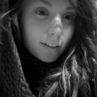 the day my dreads are finally captured in a photo... i will be completeee.