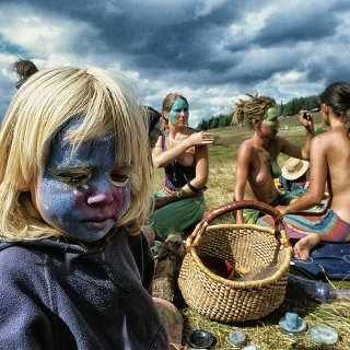 27534d1a00000578 3103895 young and old a child with a painted face sits on the grass amid m 196 1433011205861