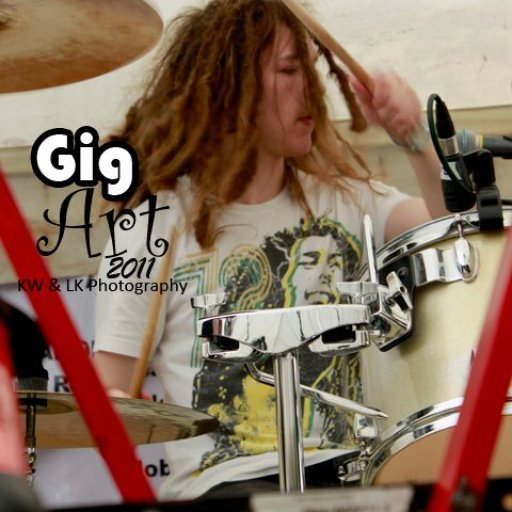 Drumming dreads in action