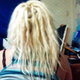 back of head at 33 dreads <3