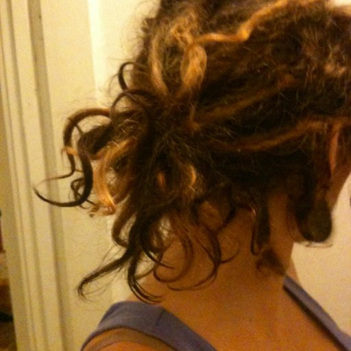 natural curls in a pony tail!