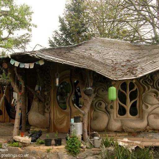 Cob and straw bale home in Somerset