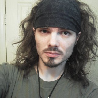 I actually have quite a few dreads here, ya just cant see em due to them being pulled back, and the front top of my head hasnt dreaded it yet.