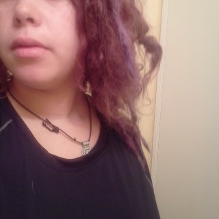 see those few long ones (i have maybe 6 dreads that are several inches longer than the rest of my dreads.)