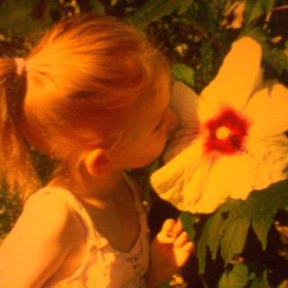 mariah hibiscus sniffing lol