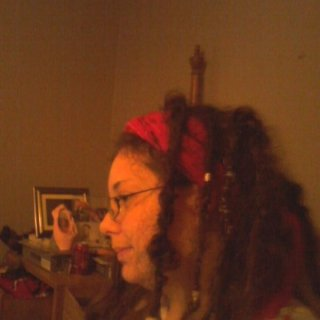 me my dreads are starting to really look pretty now:)just started their 5th month!happy Jazzymomma