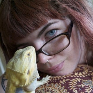My silly beardie likes to pose with me.