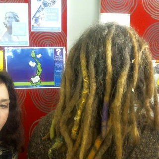 Thanks Sientje for taking these photos, now i can see my dreads r comming along real well.
