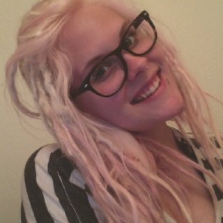 unfortunately, the pink only stayed in until I washed it twice, but was fun ^.^