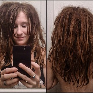 Was doing my daily separating last night and counted 47 knotty dreadlings!!! My entire bottom layer is all still loose sections of hair.. no knots yet. Loving my natty journey <3