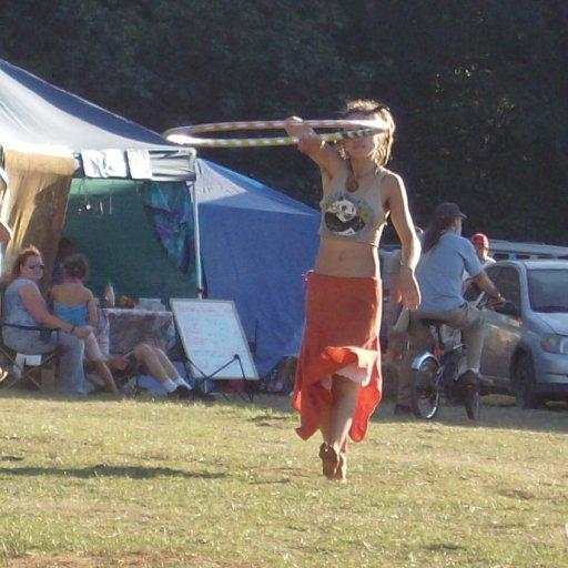 hula-hoop girl1