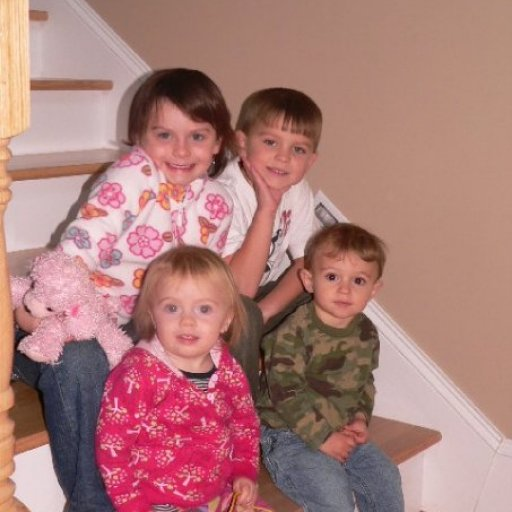 Em and Poppy with their only cousins