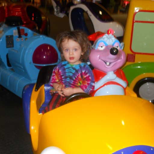 gauge drivin with a mouse at the mall