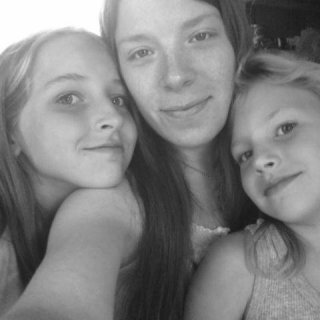 Me and my girls before dreads- summer 2010